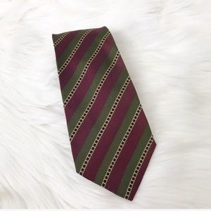 {Salvatore Ferragamo} Men's Silk Iconic Stripe Tie